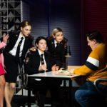 Смотреть онлайн сериал «Девушки с Макаровым» на ТНТ